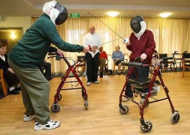 parejas-ancianas-divirtiendose (13)