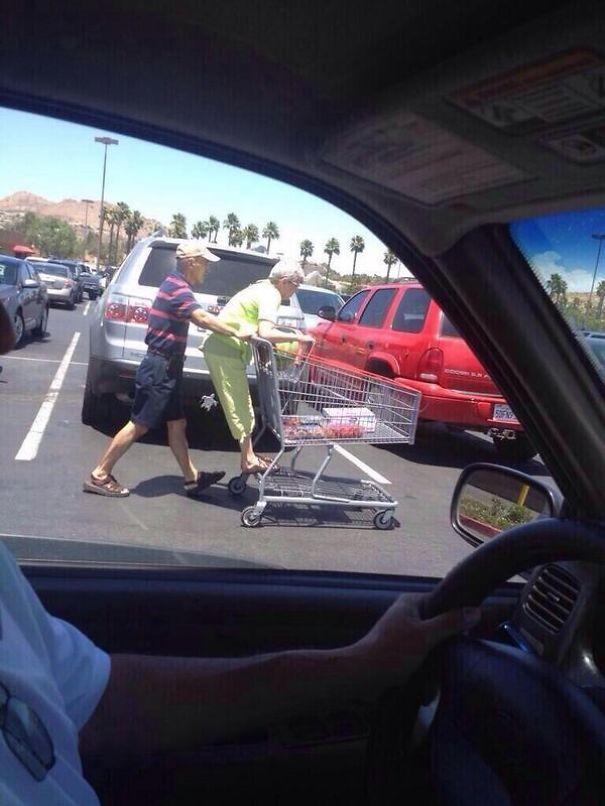 parejas-ancianas-divirtiendose (7)