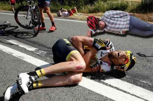 dormido-se-cae-de-bicicleta