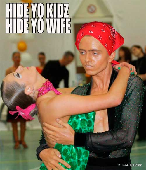 meme-bailarin-con-panuelo